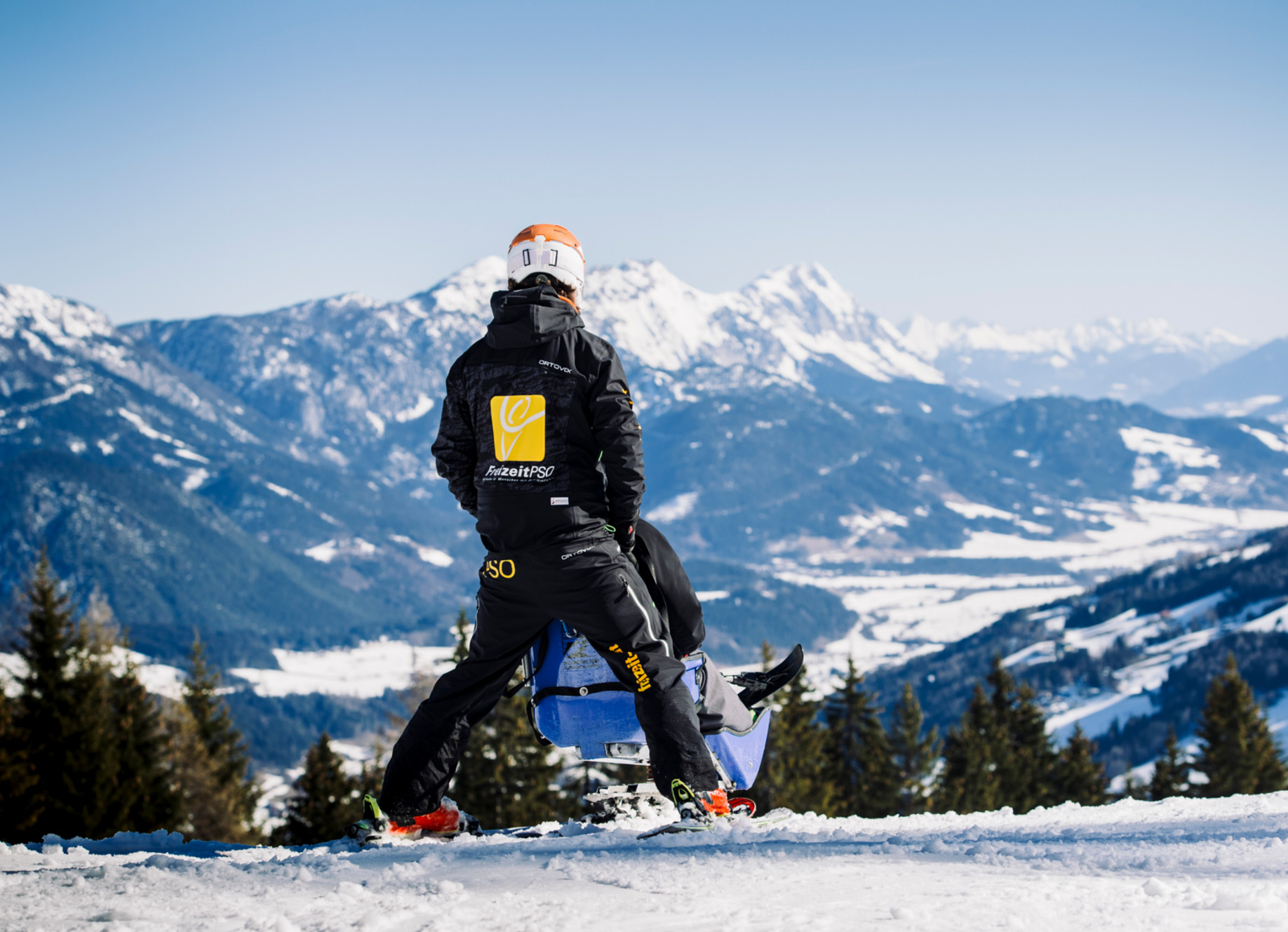 Skifahren im Sitzski