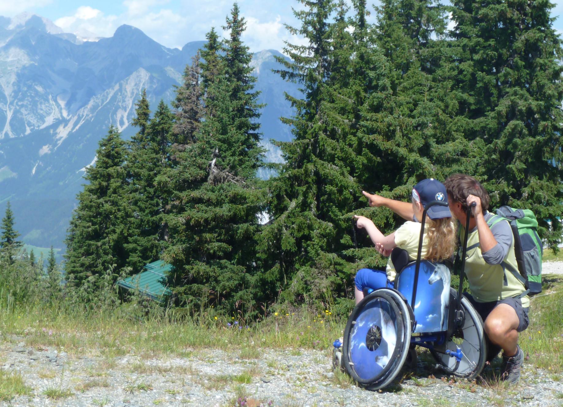 Rollstuhlwandern beim Familien-Abenteuer-Urlaub