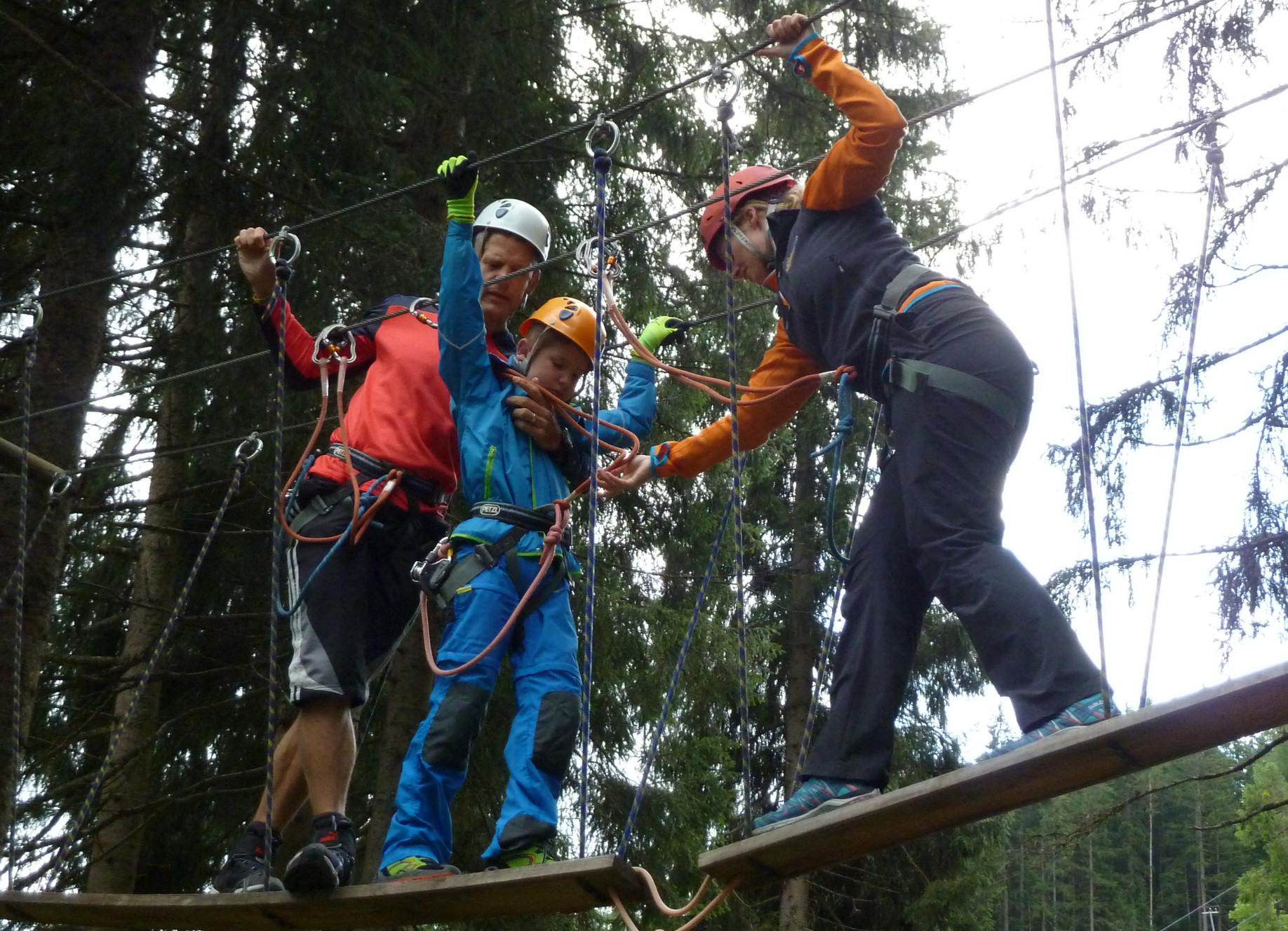 Klettern mit Behinderung beim Familien-Abenteuer-Urlaub
