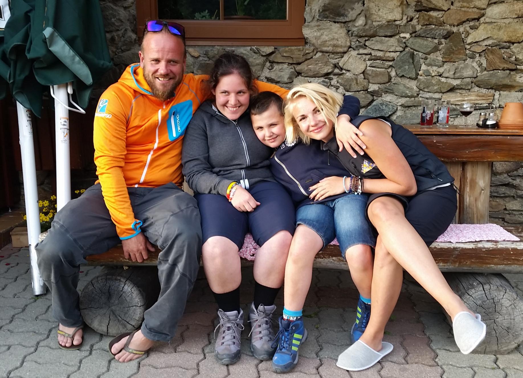 barrierefreie Wanderung beim Familien-Abenteuer-Urlaub