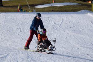 Bi-Ski für körperliche Behinderung
